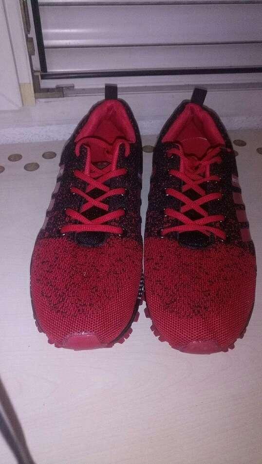 Imagen producto Zapatillas nuevas sin estrenar talla 46 4