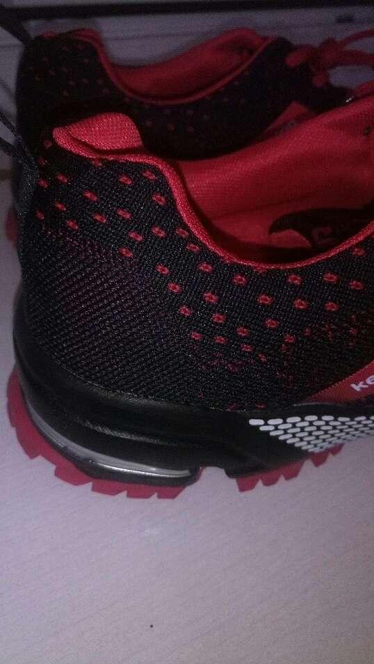 Imagen producto Zapatillas nuevas sin estrenar talla 46 10