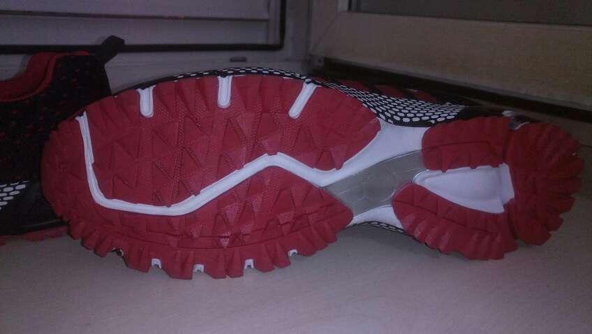 Imagen producto Zapatillas nuevas sin estrenar talla 46 9