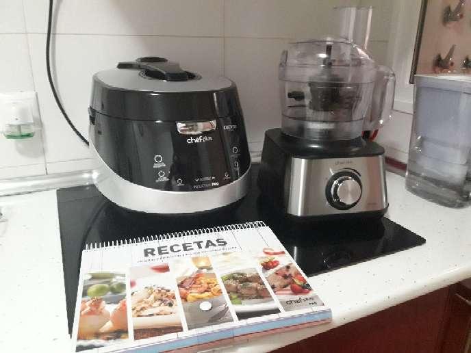 Imagen robot de cocina,trituradora y libro de 800 recetas