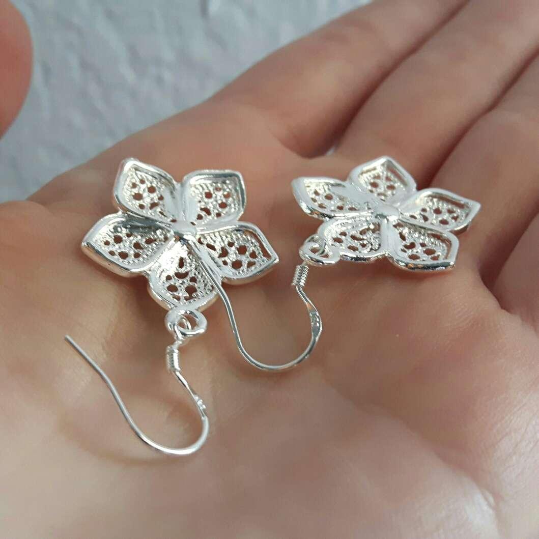 Imagen producto Pendientes flor de plata  2