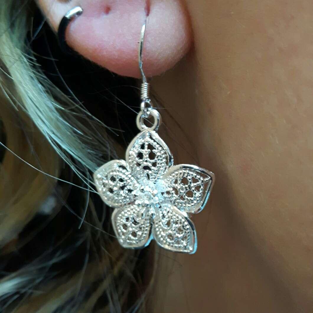 Imagen producto Pendientes flor de plata  3