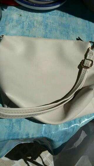 Imagen bolso blanco