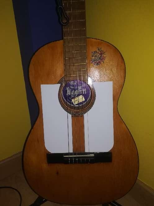 Imagen producto Guitarra antigua.  4
