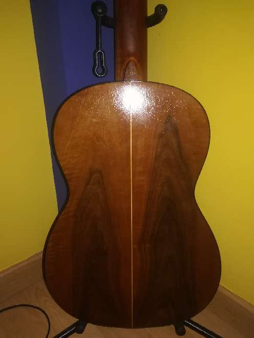 Imagen producto Guitarra antigua.  2