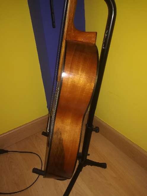 Imagen Guitarra antigua.