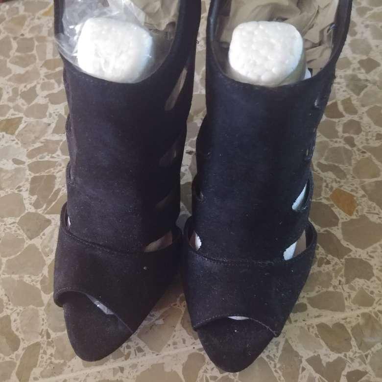 Imagen producto Zapatos. Negros. A Estrenar.  2