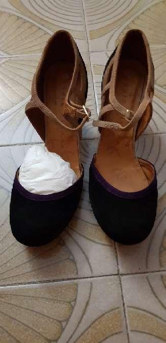 Imagen producto Zapatos negros con tacón  2