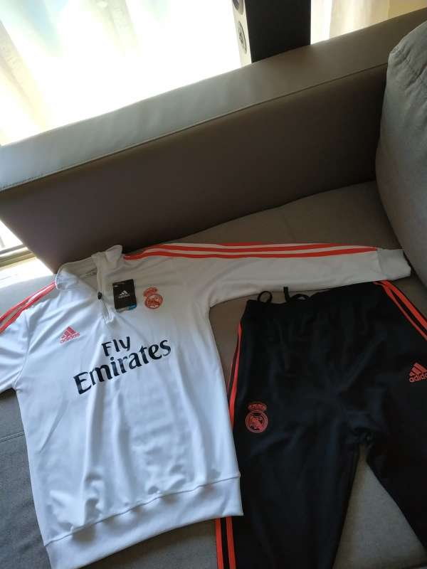 Imagen producto Chandal real madrid talla S a XL 2
