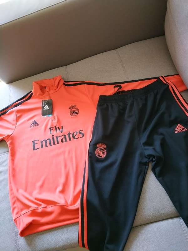 Imagen producto Chandal real madrid talla S a XL 5
