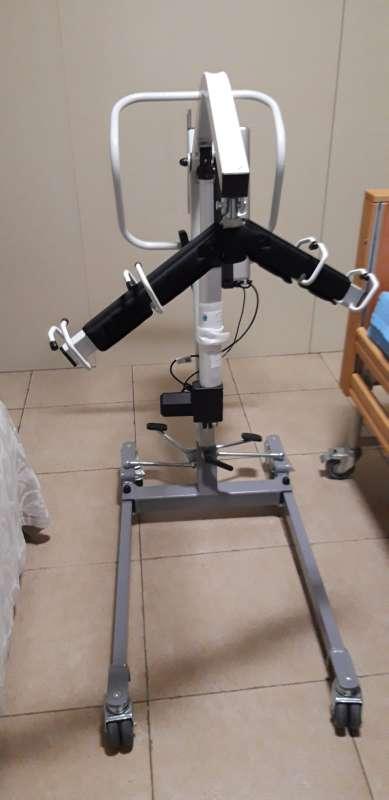 Imagen producto Grúa para pacientes de uso doméstico  2