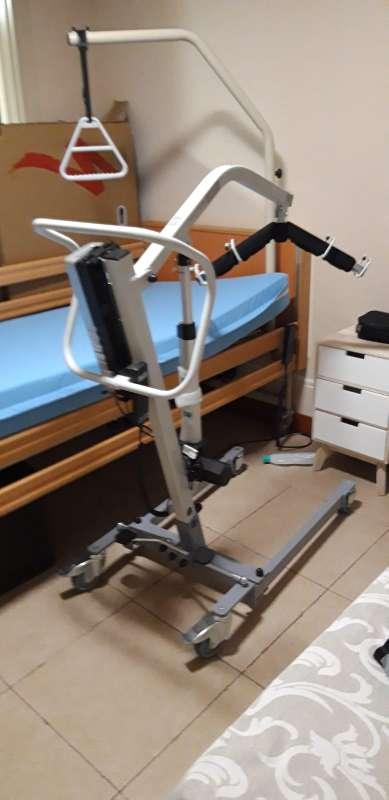 Imagen producto Grúa para pacientes de uso doméstico  3