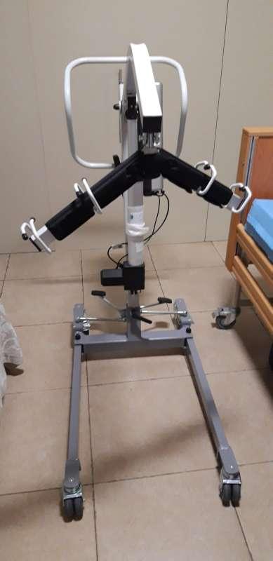 Imagen producto Grúa para pacientes de uso doméstico  5