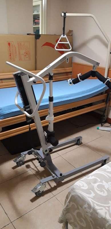 Imagen producto Grúa para pacientes de uso doméstico  6