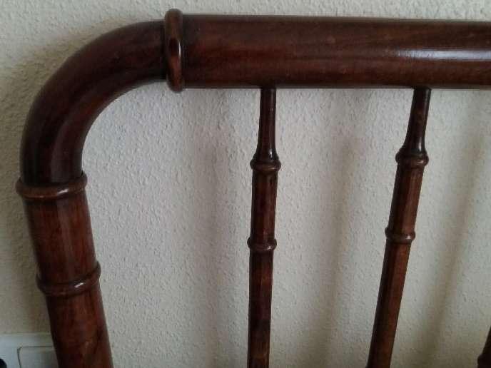 Imagen producto Cama antigua de madera de 1'05cm muy cuidada. 2