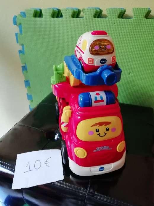 Imagen Camión de bomberos y ambulancia