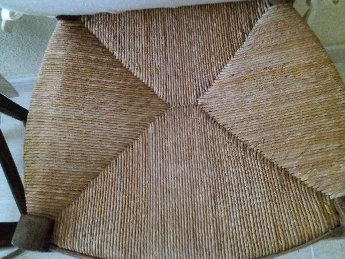 Imagen producto 2 sillas antiguas muy bien conservadas 3
