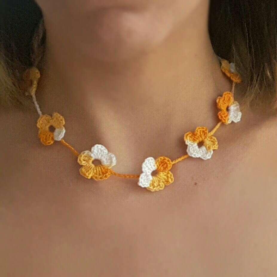 Imagen producto Collar de flores  2