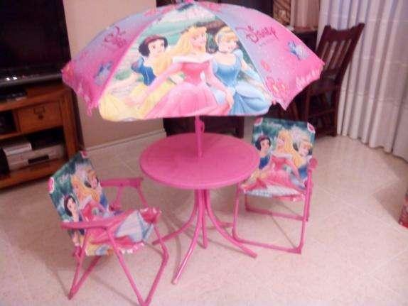 Imagen producto Juego de mesa+sombrilla+sillas plegables de princesas 2