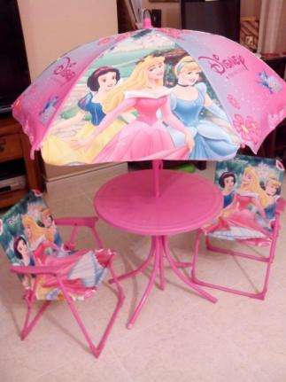 Imagen Juego de mesa+sombrilla+sillas plegables de princesas