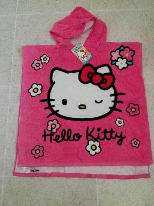 Imagen Toalla con capucha  Hello Kitty.  Con la etiqueta.