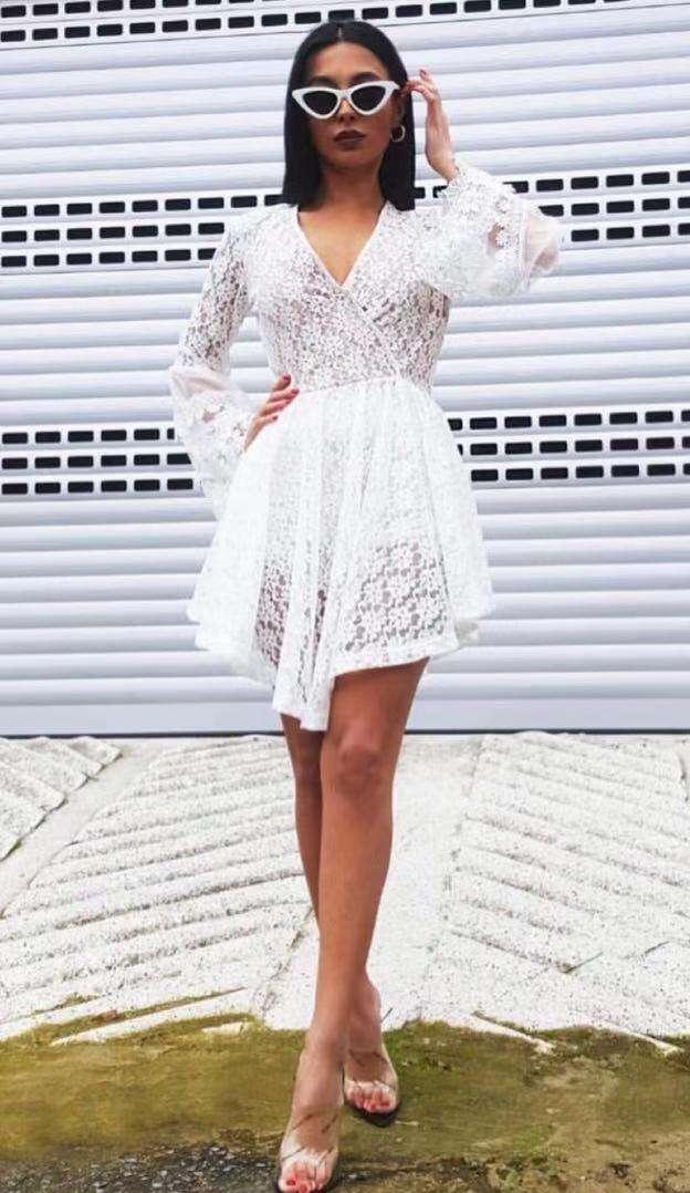 Imagen precioso vestido y body blanco para combinar con tus jeans o como vestido cómodo flexible