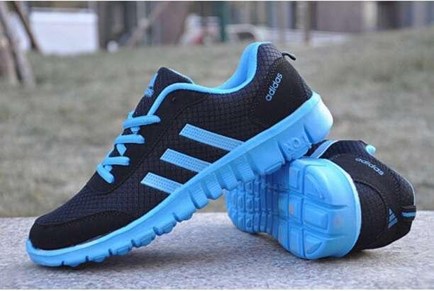 Imagen Zapatillas Negra Azul