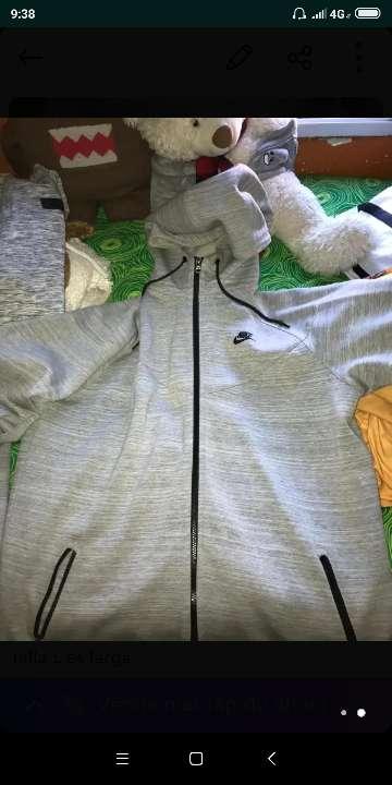 Imagen chaqueta Nike verdadera