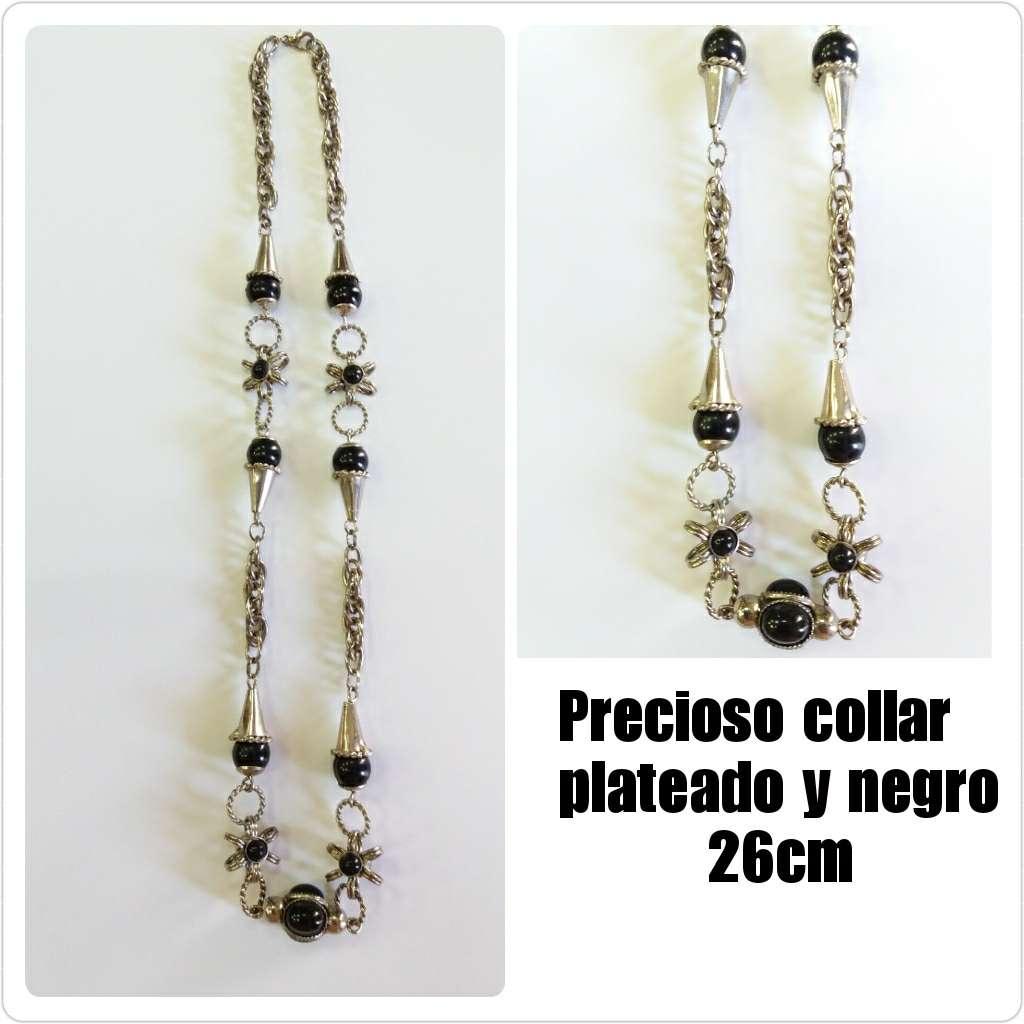 Imagen Collar plateado y negro 26cm.
