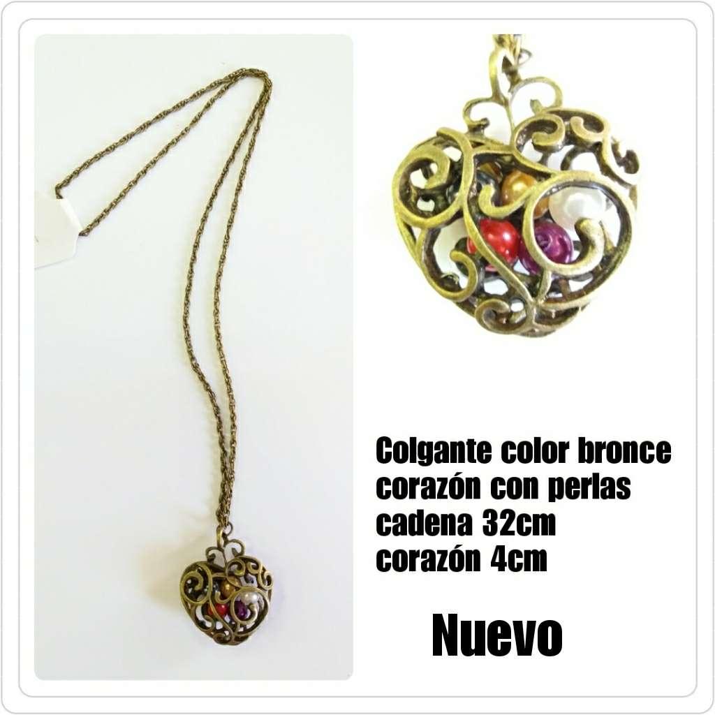 Imagen Colgante en bronce con corazón y perlas de colores