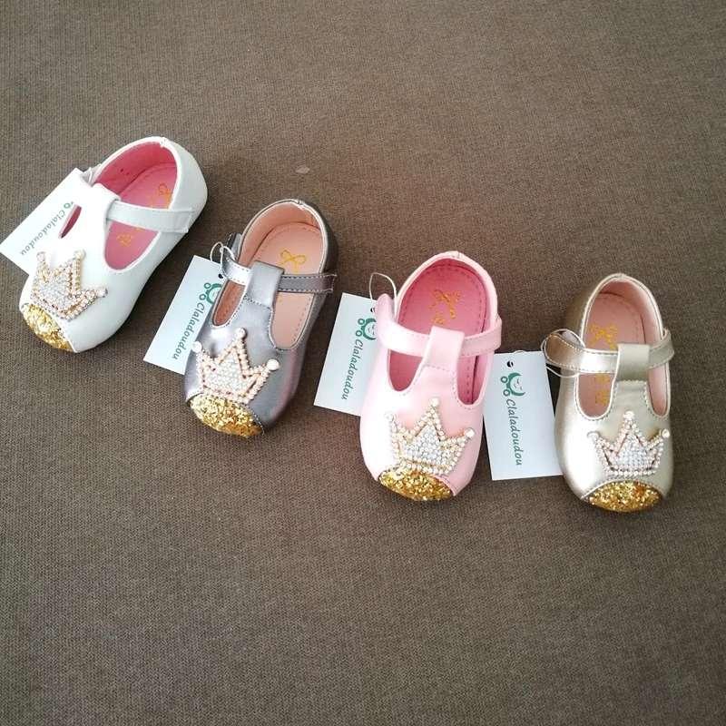 Imagen Zapato de bebé niña