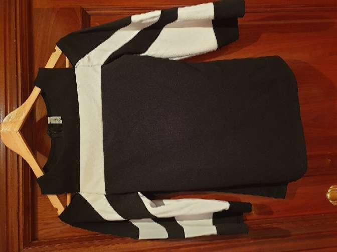 Imagen producto Camiseta manga larga, con hombros descubiertos  1