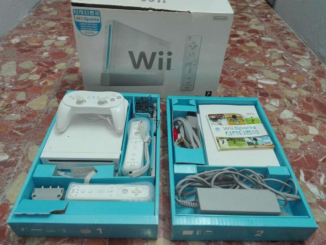 Imagen Consola Wii en caja+3 mandos