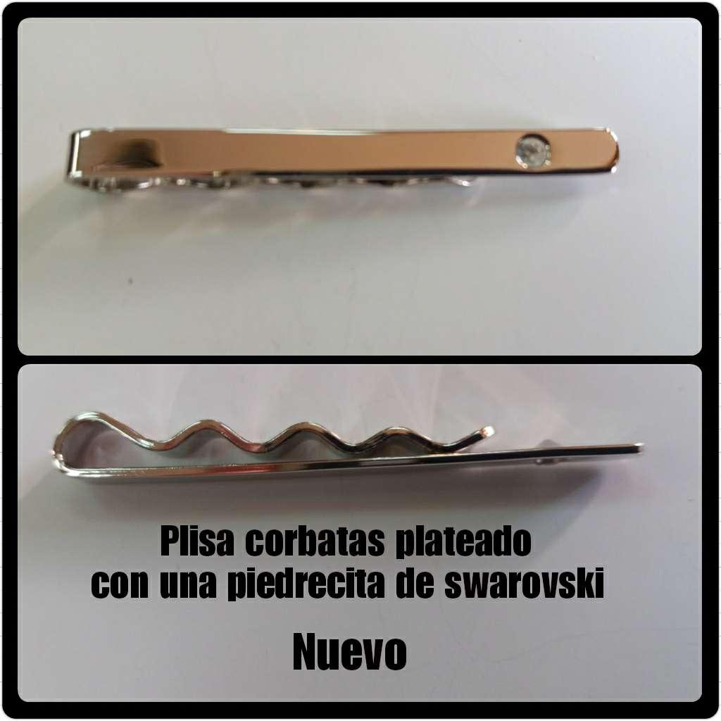 Imagen producto Plisacorba plateada con circonita  1