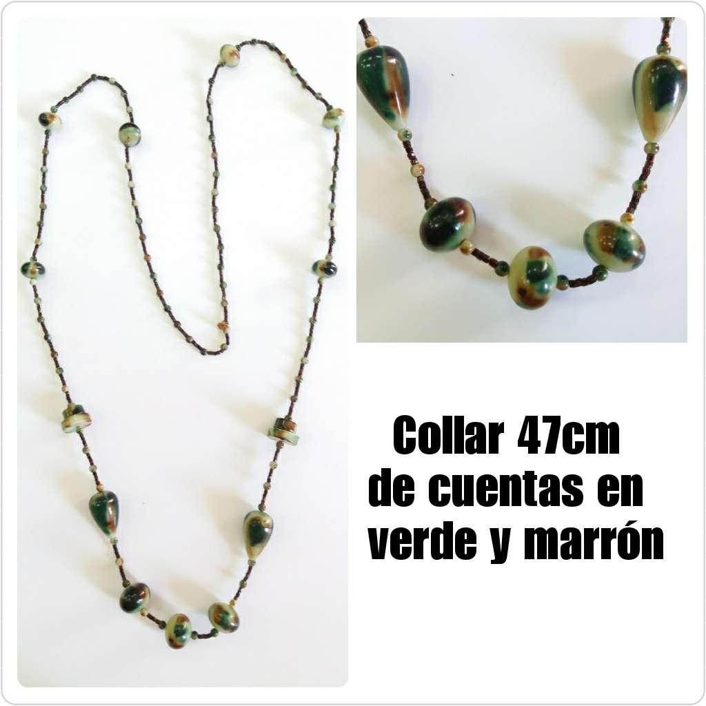 Imagen Collar de cuentas de 47cm en verde y marrón