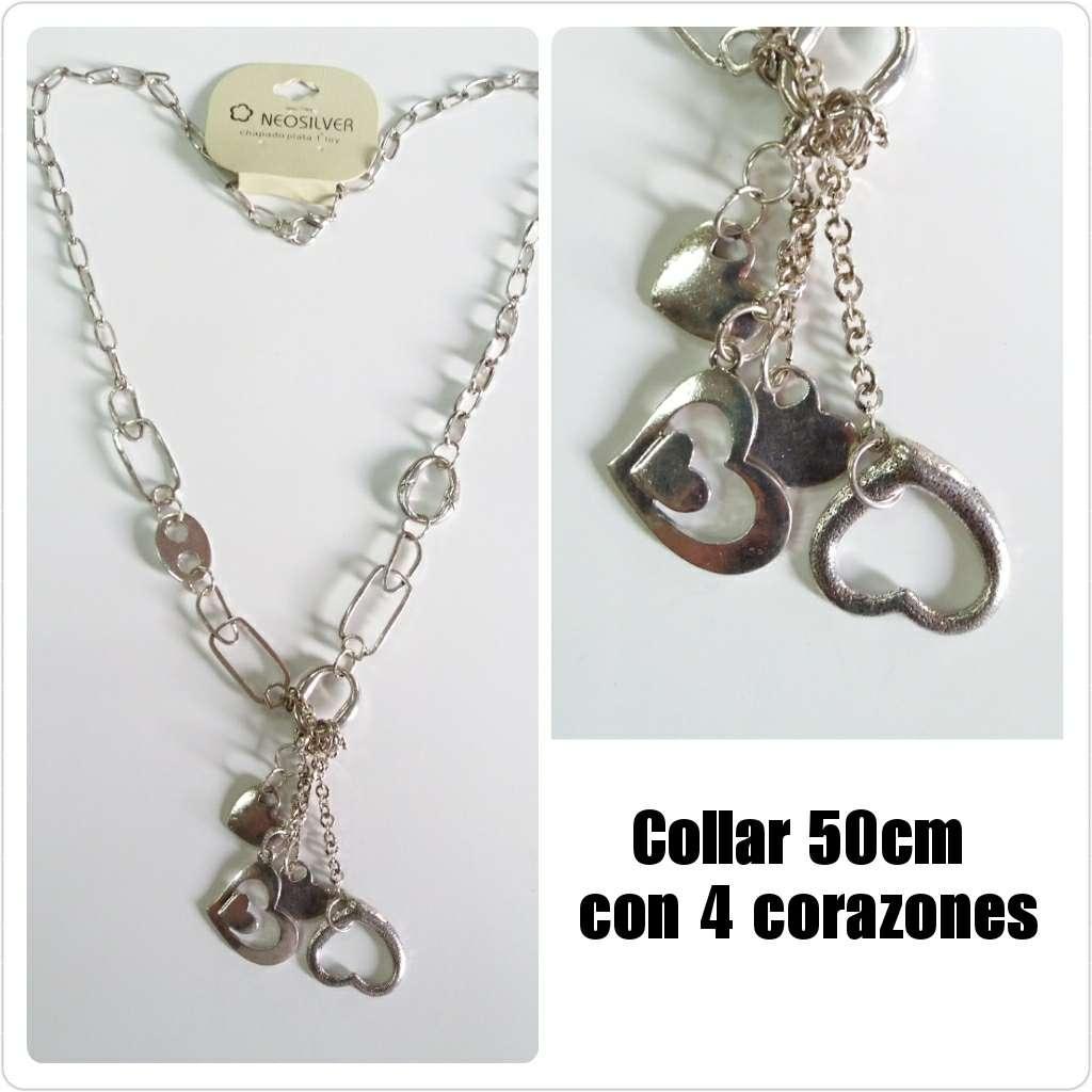 Imagen Collar plateado de 50cm con 4 corazones