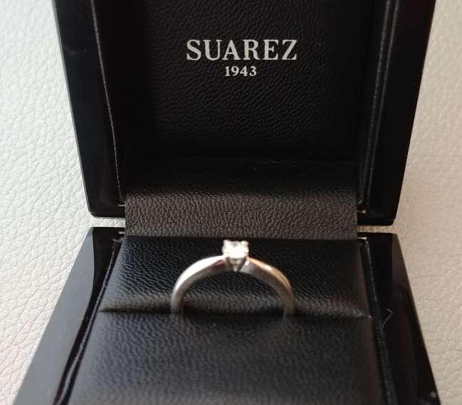 Imagen producto Anillo solitario Suarez en oro blanco y diamante natural 9