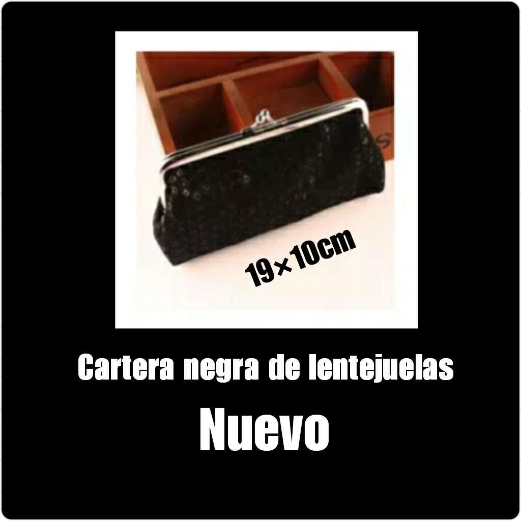 Imagen Cartera negra de lentejuelas 19x10cm Nueva