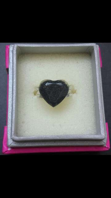 Imagen meteorito anillo corazón