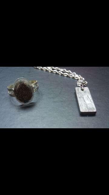 Imagen meteorito anillo y colgante