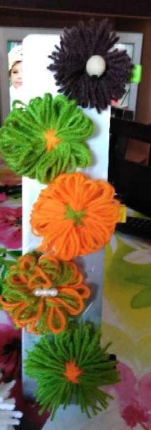 Imagen Pinzas de lana hechas a mano.