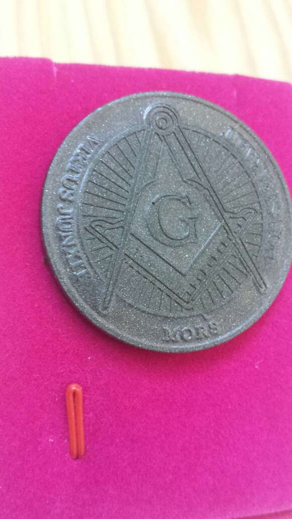 Imagen producto Moneda polvo de meteorito Masonica 4
