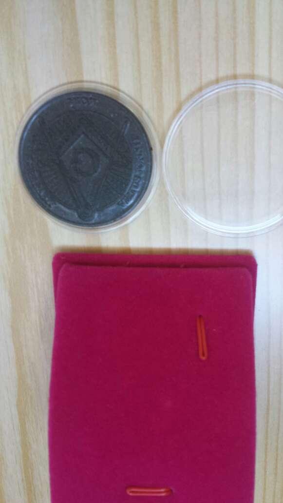 Imagen producto Moneda polvo de meteorito Masonica 7