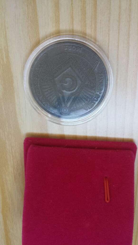 Imagen producto Moneda polvo de meteorito Masonica 8
