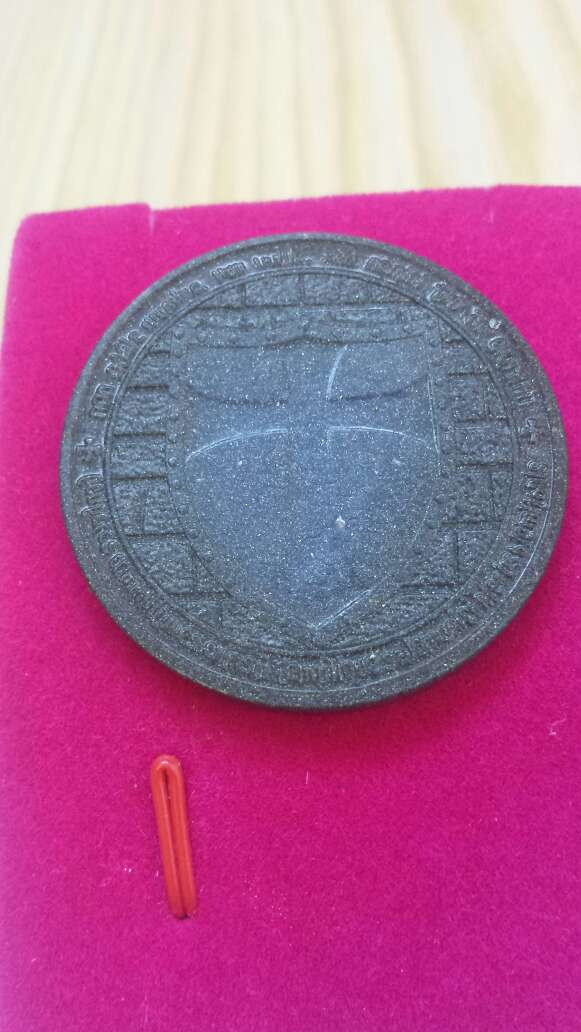 Imagen moneda templaria meteorito