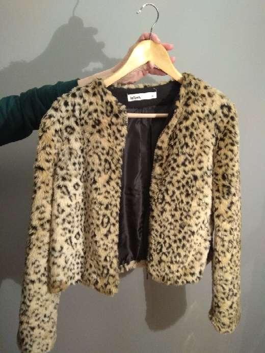 Imagen Abrigo NUEVO piel sintético leopardo