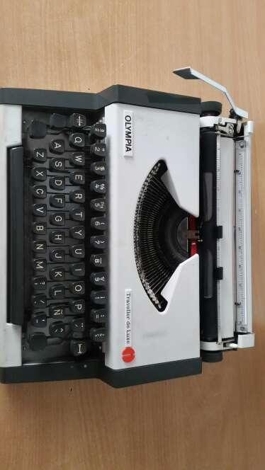 Imagen Máquina de escribir OLYMPIA