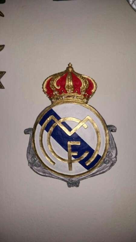 Imagen producto Escudos 28 cm real Madrid varios modelos de colgar 2