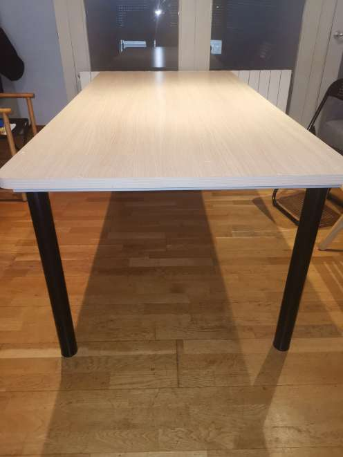 Imagen producto Taula gran de fusta clara 2
