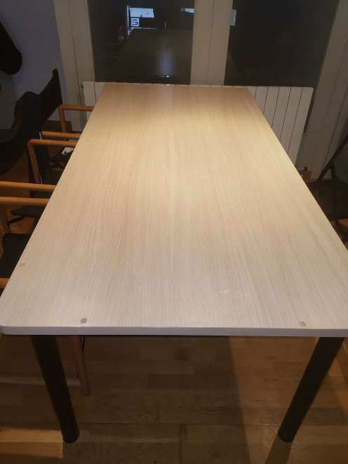 Imagen producto Taula gran de fusta clara 3